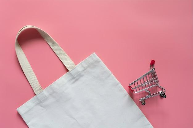 Tecido de lona de sacola branca. saco de compras de pano