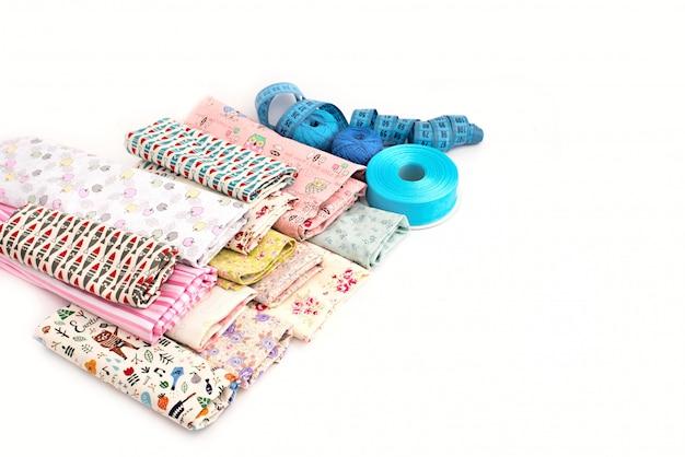 Tecidos coloridos para artesanato, projetos de arte