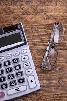 Teclado da calculadora em piso de madeira