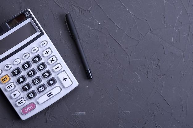 Teclado da calculadora em um piso de beton