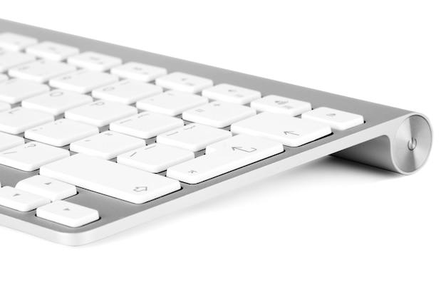 Teclado de alumínio do close up no fundo branco