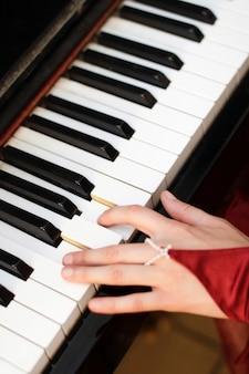Teclado de piano antigo