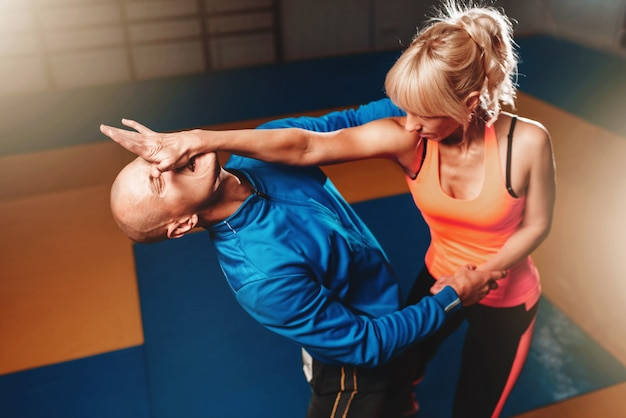 Técnica de defesa pessoal feminina, arte marcial