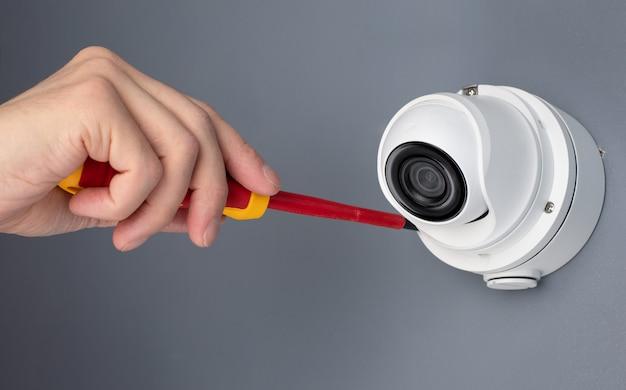Técnico de instalação de segurança de vídeo da câmera de cftv