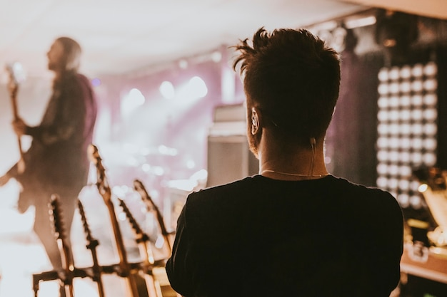 Técnico em concerto de música