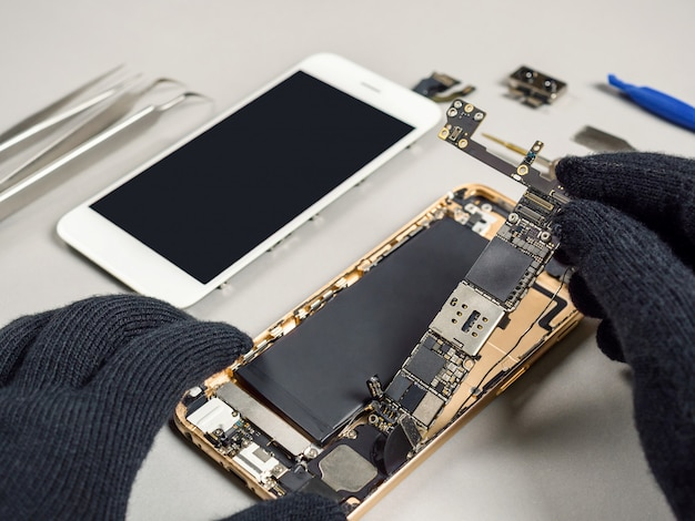 Técnico, reparar, quebrada, smartphone, escrivaninha