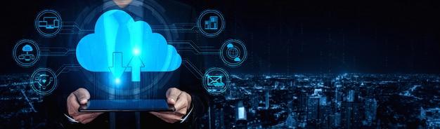 Tecnologia de computação em nuvem e armazenamento de dados on-line para o conceito de rede de negócios.