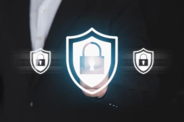 Tecnologia de computador e segurança cibernética na internet e conceito de antivírus