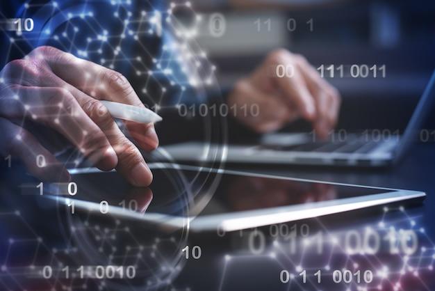 Tecnologia de internet e desenvolvimento de software digital