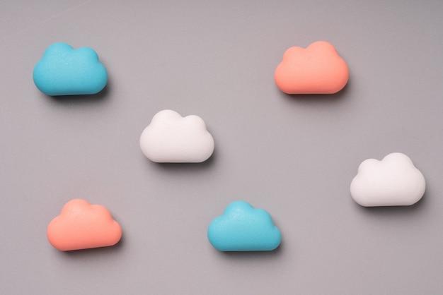 Tecnologia de nuvem pastel sobre fundo colorido & criativo para o conceito de negócios globais