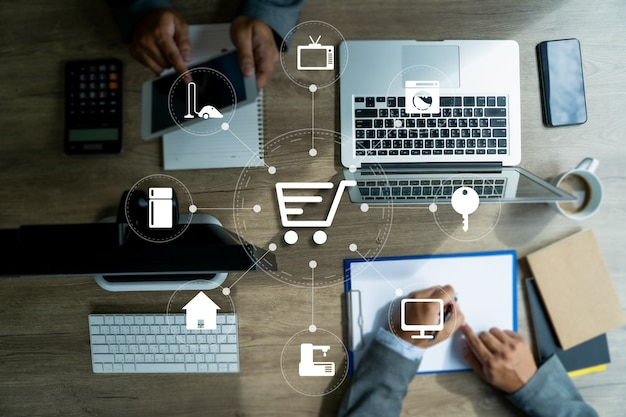 Tecnologia e-commerce internet marketing global purchasing plan and bank concept