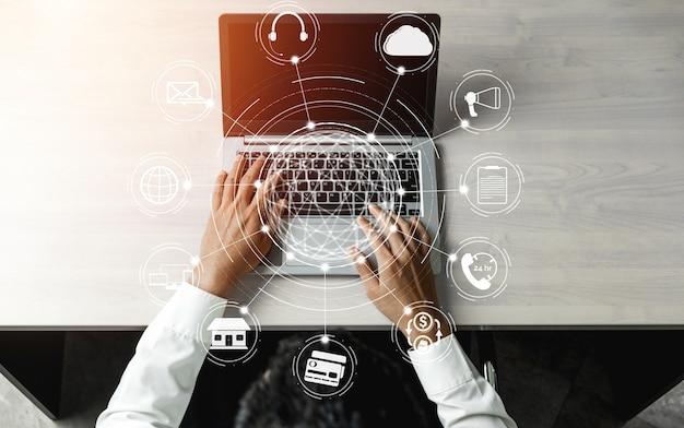 Tecnologia omni channel de negócios de varejo online.