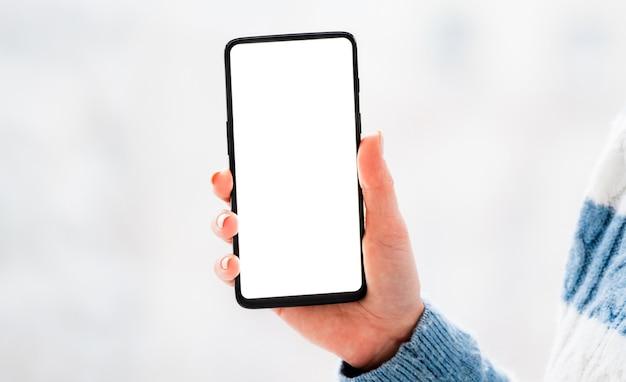 Telefone com tela ativa