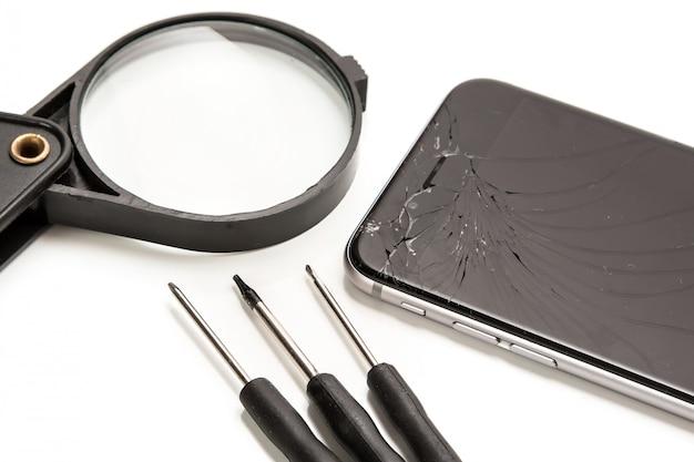 Telefone inteligente e ferramentas para reparo