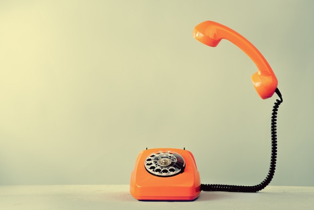 Telefone laranja vintage