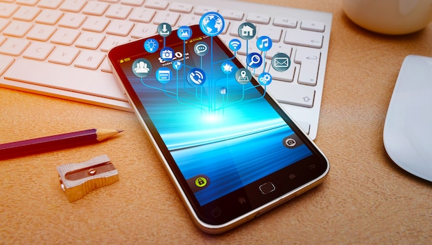 Telefone móvel moderno com ícones voando sobre