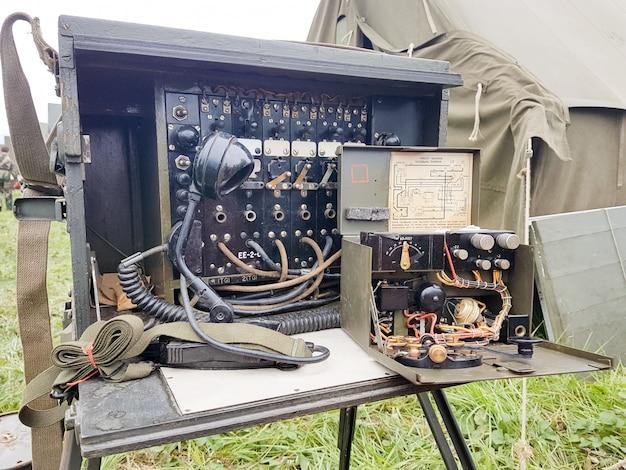 Telégrafo e rádio vintage militar da segunda guerra mundial