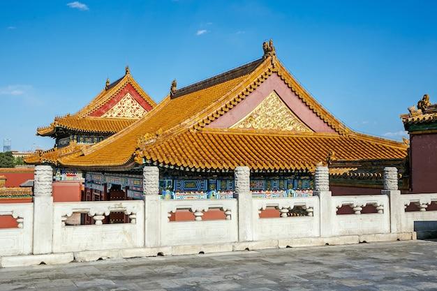 Telhado arquitetônico tradicional chinês com animais Foto Premium