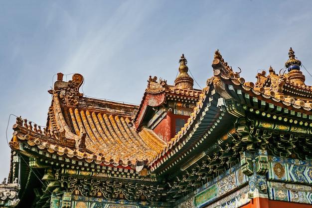 Telhado arquitetônico tradicional chinês com animais