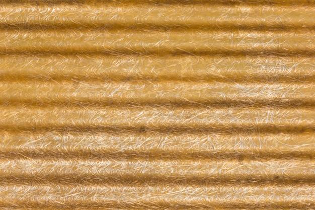 Telhado de fibra de vidro velho