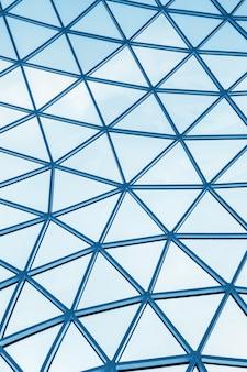 Telhado de vidro de um edifício moderno