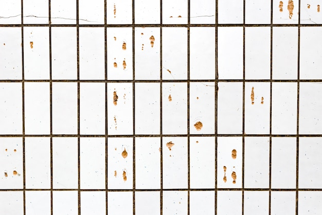 Telhas cerâmicas rachadas velhas abstratas