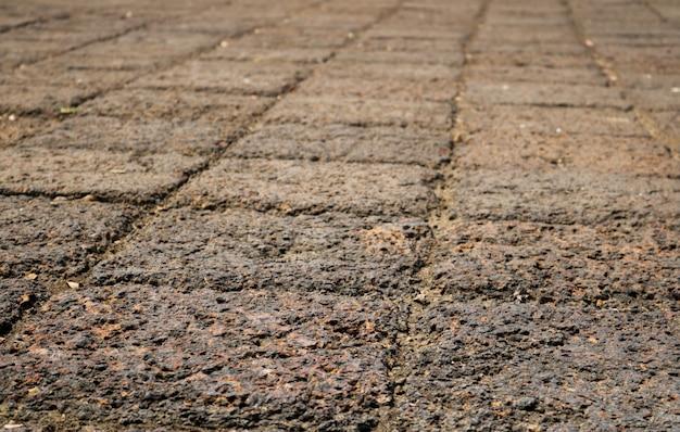 Telhas de pedra marrons velhas.