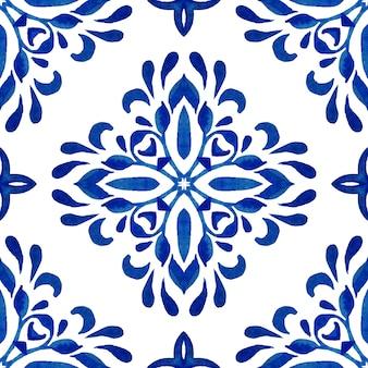 Telhas orientais do padrão aquarela azul sem costura lindo. ornamento turco. mosaico marroquino. porcelana espanhola cerâmica, azulejo folk impresso.