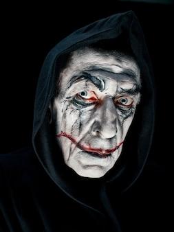 Tema de halloween sangrento: cara maniak louca