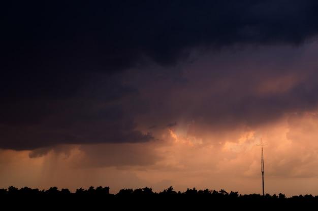 Tempestade no horizonte