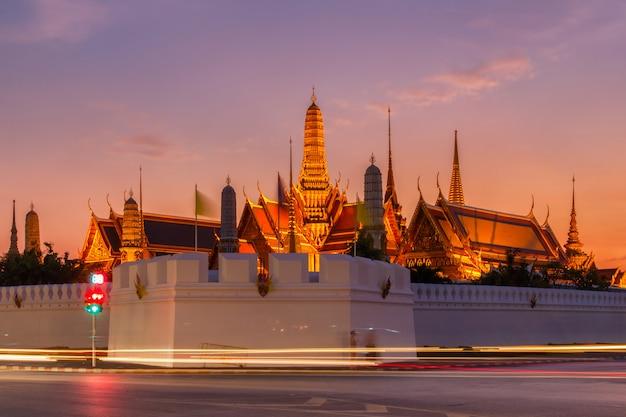 Templo antigo de wat phra kaew em banguecoque tailândia