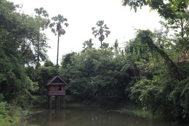 Templo budista do país em nakhon phanom