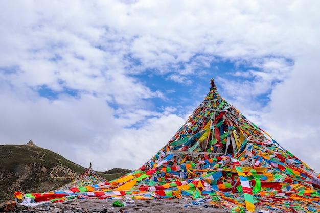 Templo budista tibetano na província de laji shan qinghai, china