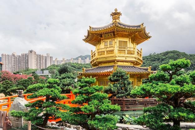 Templo chinês - convento de chi lin, jardim de nan lian, situado na colina de diamond, kowloon, hong kong