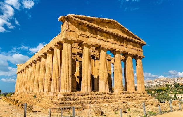 Templo da concórdia no vale dos templos de agrigento - sicília, itália