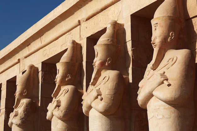 Templo da rainha hatshepsut em luxor, egito