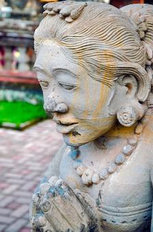 Templo de batuan, templo hindu de bali em bali, indonésia