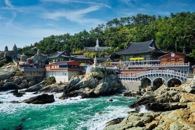 Templo de haedong yonggungsa. busan, coréia do sul
