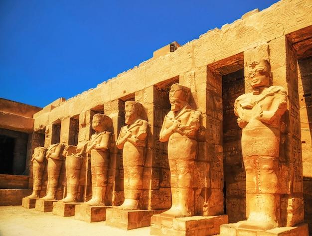 Templo de karnak, salão das cariátides. luxor, egito
