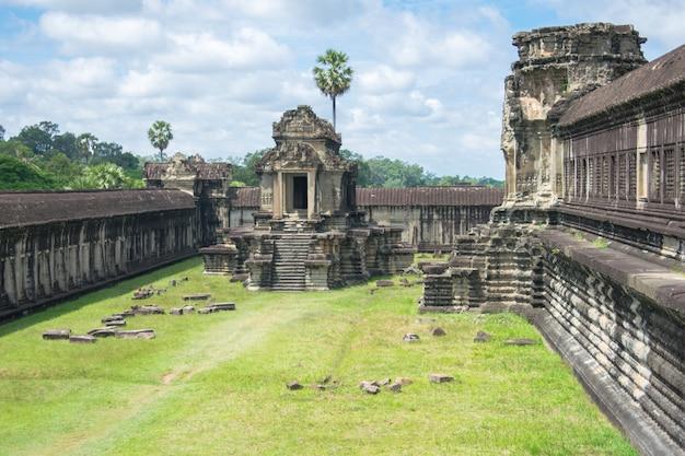 Templo de pedra em angkor wat, camboja