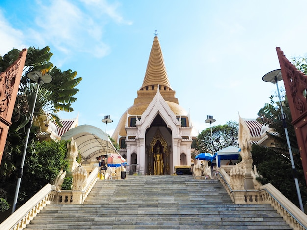 Templo de phra pathom chedi, nakhon pathom, tailândia.