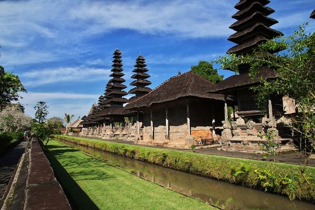 Templo de taman ayun em bali, indonésia