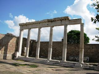 Templo de trajano de pérgamo, na turquia