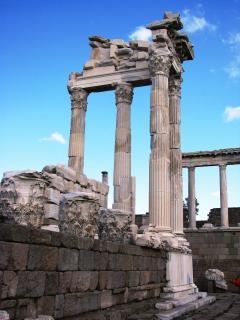 Templo de trajano na turquia pergamon, 2thcentury