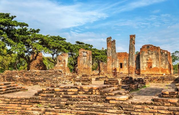 Templo de wat phra si sanphet no parque histórico de ayutthaya. patrimônio mundial da unesco na tailândia