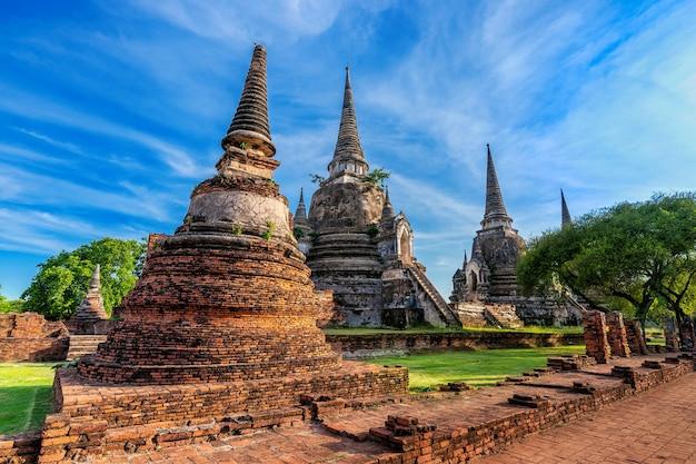 Templo de wat phra si sanphet no parque histórico de ayutthaya, província de ayutthaya, tailândia. patrimônio mundial da unesco.