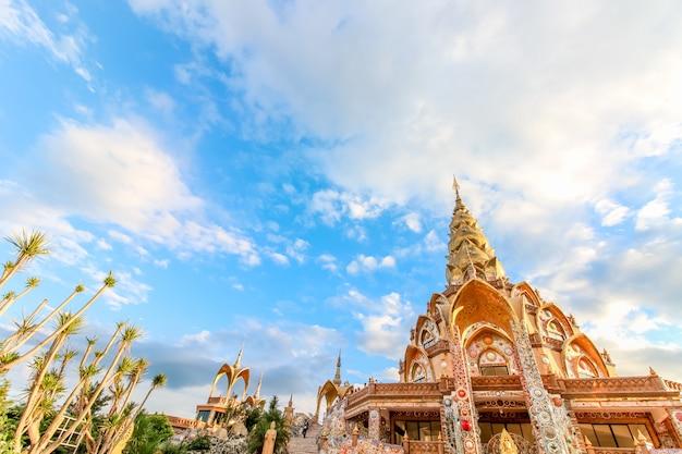 Templo de wat phra that pha son kaew em khao khor