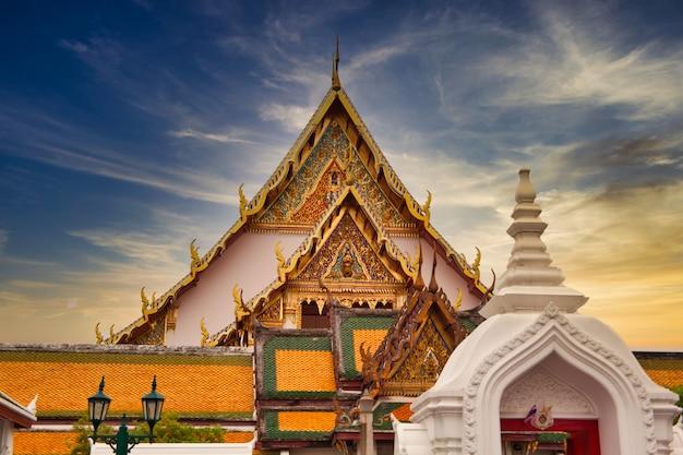 Templo de wat suthat thepwararam em bangkok