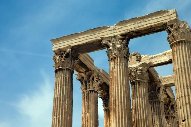 Templo de zeus olímpico, atenas, grécia.