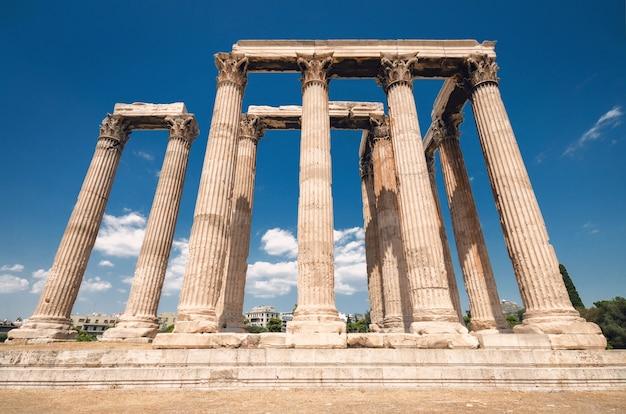 Templo do olímpico zeus, atenas, grécia.